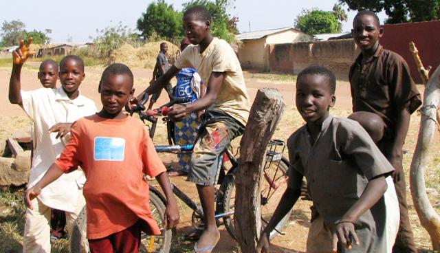 Le Kenya viole la Charte africaine des enfants tandis que des enfants nubiens souffrent de discrimination et d'apatridie
